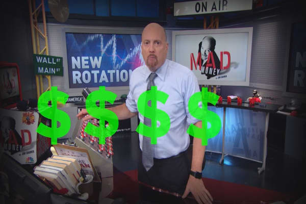 Cramer Remix: Why the Sprint & T-Mobile tie-up might be a done deal