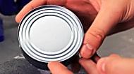 Es bueno saberlo: cómo abrir una lata sin un abrelatas